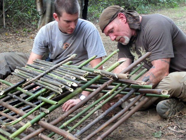 outdoor survival trap building